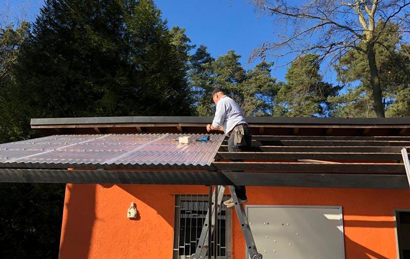 Austausch der Dachdeckung des Vordaches des alten Clubhauses